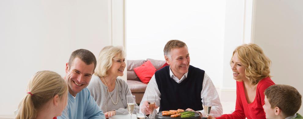 Repas chaleureux entre amis ou en famille tefal et vous for Repas soiree entre amis